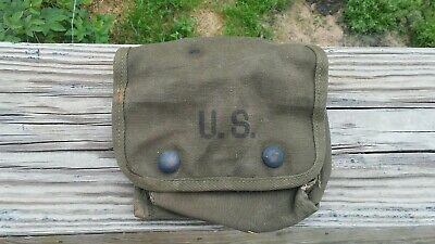 Vintage US ARMY WWII 1945 Medical First Aid Pouch