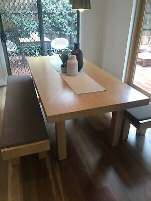 Beautiful dinning table (6-10 people) with benches