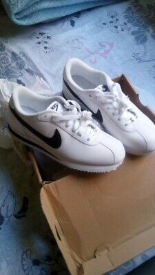 newest 7dac4 39574 Chaussures Baskets Nike homme Classic Cortez Leather taille Blanc Blanche  Cuir