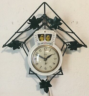 United Electric Motion Clock Bobbing Cuckoo Birds Model 50 - Green and White