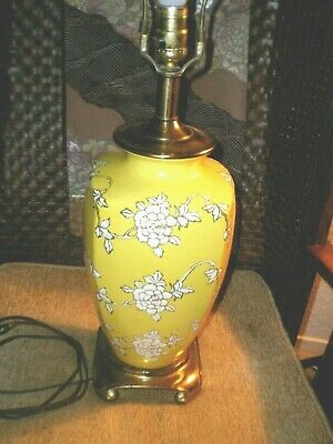 Stunning Mid Century Nathan Lagin Co. Yellow w/White Asian Style Porcelain Lamp
