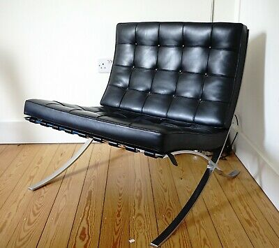 Knoll Barcelona Chair by Ludwig Mies Van Der Rohe 1929 / Design Classic