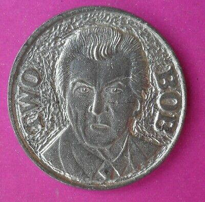 BOB HAWKE 2 HEADED NOVELTY MEDALLION EXCELLENT COLLECTIBLE 32mm MEDALLION