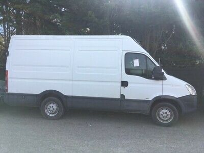 Iveco Daily 35s12  2.3hpi (White)