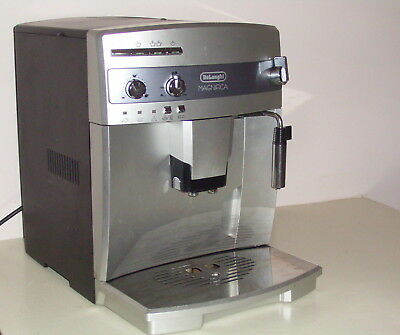 DELONGHI Automatic Coffee Machine grinds fresh beans instantly