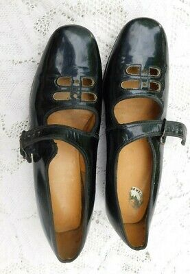 VINTAGE 1960's BUSTER BROWN BLACK PATENT LEATHER MARY JANE SHOES SIZE 1.5