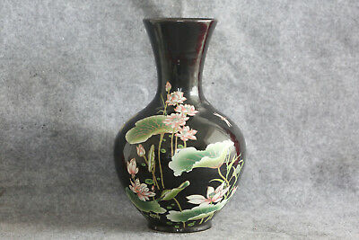 Chinese Decorative Porcelain Vase With Flowers #52