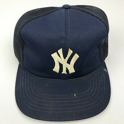 bc13c6faa843e4 Vintage New York Yankees Adjustable Snapback Hat Yound An Mesh Trucker Blue!