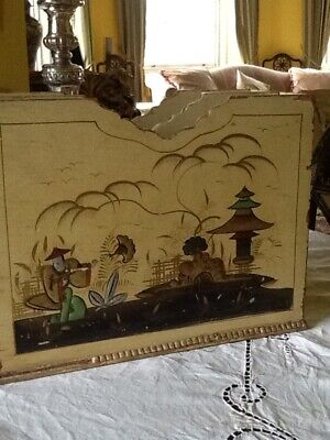 Vintage 1920's Chinoiserie Gilt Figures Magazine Or 78 Record 3 Section Rack