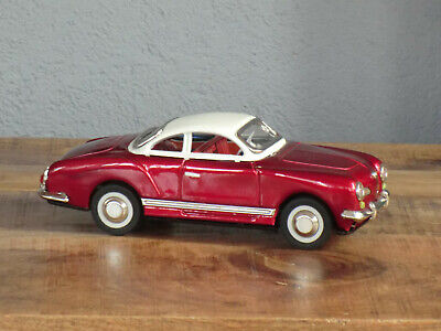 VW Karmann Ghia Volkswagen rot metallic Dach weiß Blechauto China SEDAN MF 743