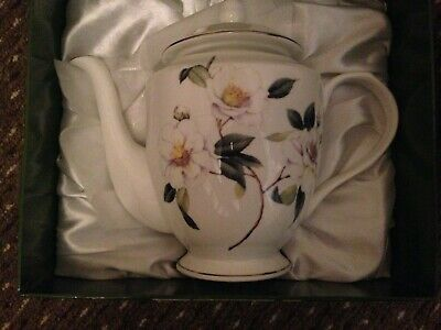 Influence Fine Bone China Teapot With Platinum Band