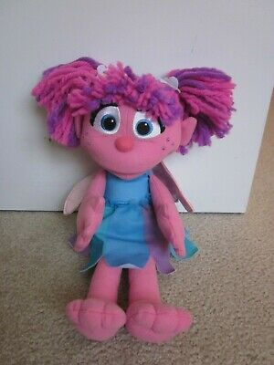 Hasbro Sesame Street 2010 Talking Singing Abby Cadabby Plush