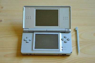 NDS - Nintendo DS Lite Konsole in Silber mit Touchpen