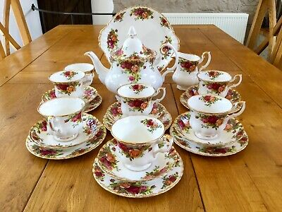 Royal Albert Old Country Roses Tea Set For Six LARGE TEAPOT