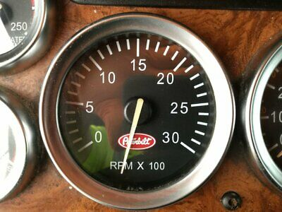 06 07 08&12 Peterbilt 379 365 367 METRIC Speedometer