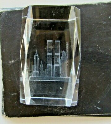 Solid Glass New York Paperweight Twin Towers, Empire State, Statue of Liberty, e