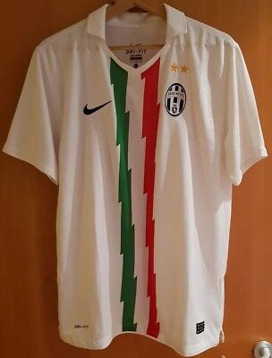 f200d122ff3 AUTHENTIC NEW NIKE JUVENTUS Home Football KIT NWT Large Boys Age 12 ...