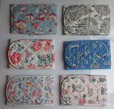 /// Cath Kidston Double Oven Gloves ///
