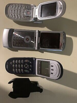Vintage Cell Phones. Set Of 4 -3 Motorola And 1 Samsung. Preowned