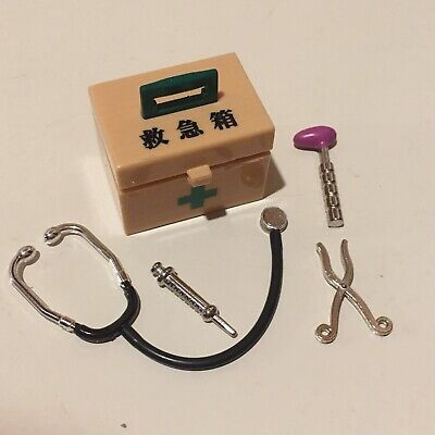 Dollhouse Miniature 1:12 Scale Doctor Supplies  Needle First Aid Kit Rement