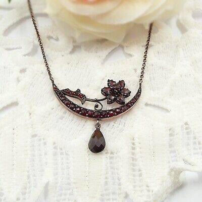 Formidable Antique Bohemian garnet necklace moon barque & star // ГРАНАТ