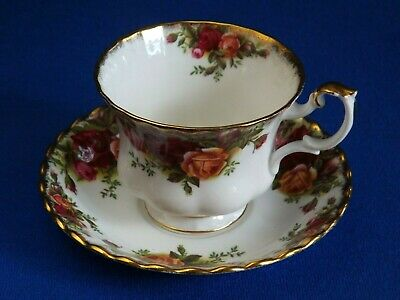 Royal Albert Old Country Roses Tea Cup & Saucer - Bone China - England