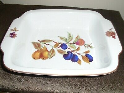 Royal Worcester Evesham Lasagne Dish 31cm x 24cm - Excellent Condition