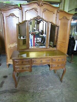 Vintage super quality French carved golden oak dressing table louis xv style