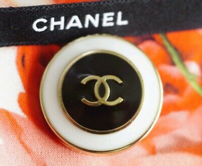 Rare CHANEL BUTTONS CC LOGO 1 inch 25 mm Gold tone Metal Black White Enamel