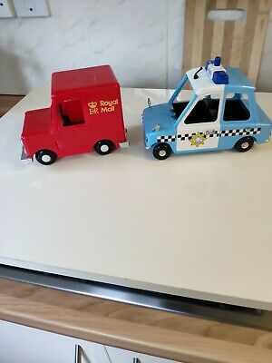 Postman Pat Series Friction Greendale Police Car Plus Pc Selby Figure