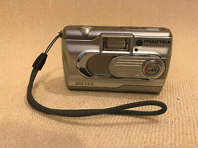 Praktica DCZ 3.2 S Megapixels Digital Camera With Case & Instructions