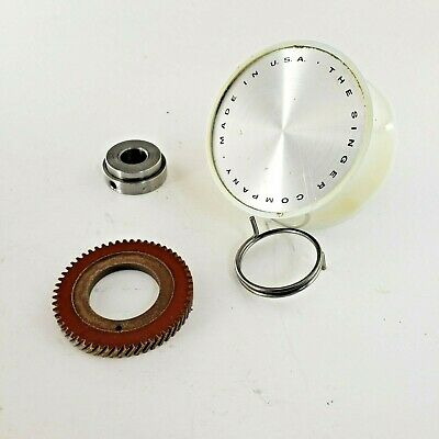 Singer 625 PART - Hand / Balance Wheel Assembly (Includes Gear) - ORIGINAL PARTS