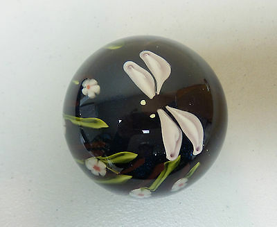 VINTAGE ORIENT & FLUME ART GLASS PAPERWEIGHT w/ DRAGONFLY, SIGNED, DATED 1978