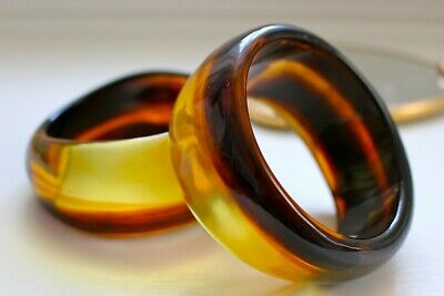 2 x Vintage Retro Lucite Faux Amber Root Beer Bangle Bracelets