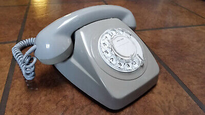 Vintage Australian Telephone Phone with Rotary Dial. In Exceptional Original Con