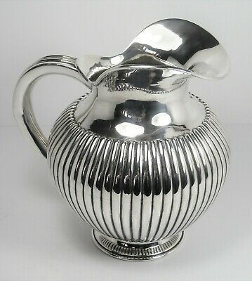 Jug very beautiful solid silver (14.63 troy oz) relief work, very good condition