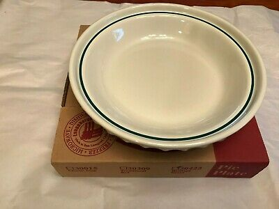 Longaberger Pottery Woven Traditions Heritage Green pie plate with box