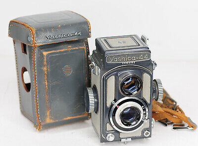 Yashica 44A TLR - 127 Roll Film Camera  4x4 format (3291BL)