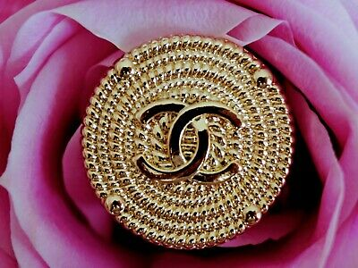 CHANEL BUTTONS CC LOGO 1 inch. 25mm METAL GOLD TONE VINTAGE