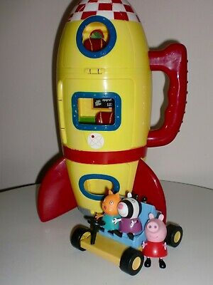 Peppa Pig Peppa/'s Spaceship Rocket With Sound Pharses /& Peppa Figure Playset