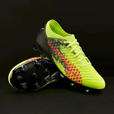CHAUSSURES CRAMPON FOOTBALL Taille 43 Marque Puma Future