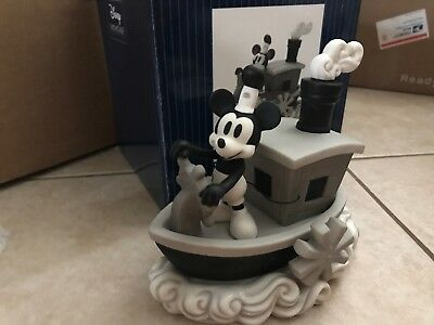"Precious Moments Disney /""Steamboat Willie/"" Mickey 172707 NIB"