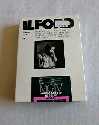 "Ilford Multigrade IV RC DeLuxe Paper (Glossy, 5 x 7"", 100 Sheets)"