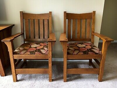 Set of 2 Stickley Mission Style Oak V Back Arm Chairs Arts & Crafts Dining