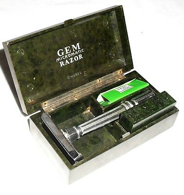 Vtg 1930s Original GEM Micromatic Green Bakelite Box with Razor Box &Treet Blade