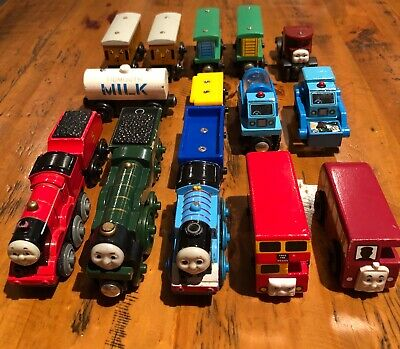 Bulk x 17 - Thomas the Tank Engine Wooden & Die Cast Pieces - 2 Motorised Trains