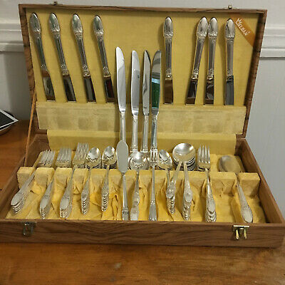 Rogers Bros First Love Pattrn Service for 12 Silverplatd Flatware Set 73 pieces
