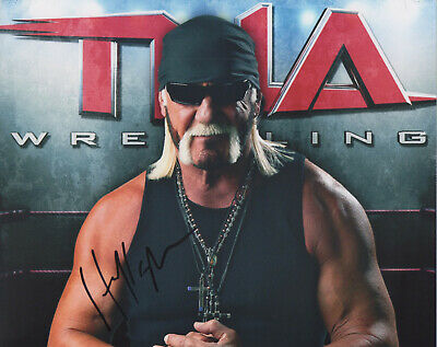 HULK HOGAN Signed 10x8 Photo WWE WRESTLING Champion COA