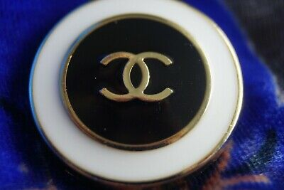 CHANEL BUTTONS LOT 2   LOGO CC  24 mm or 1 inch   Black