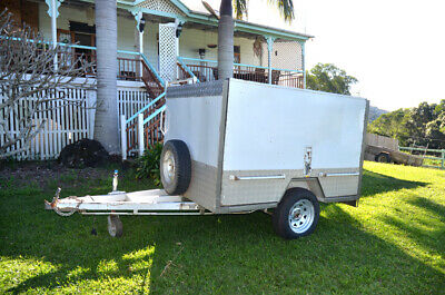 Enclosed Trailer 7 x 5 ( Luggage, Tradesman, Market, Music)